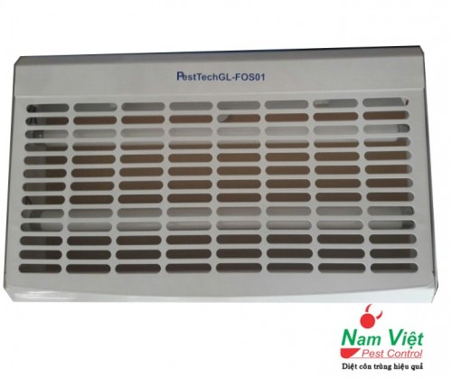 Đèn diệt côn trùng Pesttech GL-Fos01 bằng tấm keo dính côn trùng
