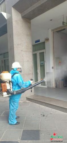 Phun sát trùng, phun diệt khuẩn, phun khử trùng virus corona cho trường học, văn phòng, công ty, khách sạn tại khu vực TP Hồ CHí Minh